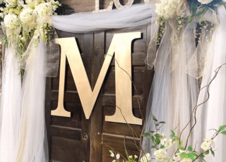 This Wooden Letter Wedding Decor DIY project will save you so much money!! Learn to make you own. #rusticeorchardhome #diywedding #weddingdiy #woodenletter #weddingdecorations