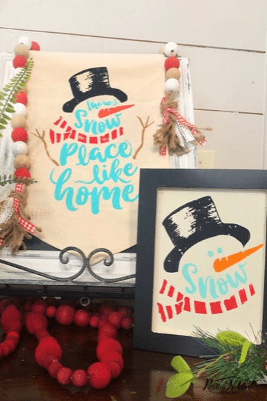 Easy winter home decor ideas using snowman transfer from Chalk Couture. #winterhomedecor #winterfarmhousedecor #chalkcouture #snowmancraft #diyhomedecor