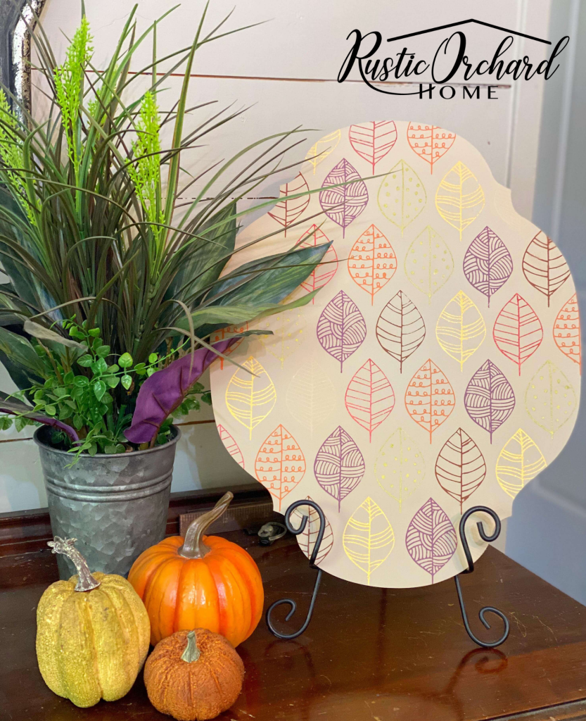 Create amazing home decor with this Chalk Couture Fall Sign Idea. This fall home decor idea is easy and budget friendly.