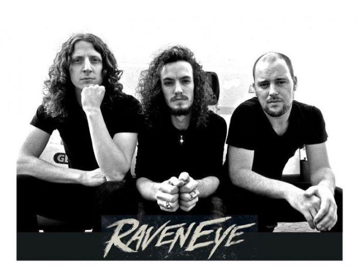 Band Photo w Logob