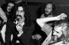 Frank Zappa FAQ – John Corcelli (Backbeat Books)