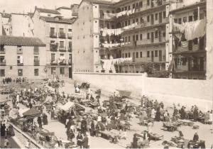 1933-mercado-de-San-Fernando-mercado-de-la-Corrala