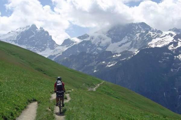 Viaje en bici por Alpes