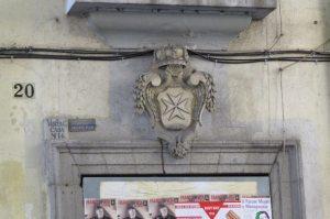 Cruz de Malta Corredera Baja de San Pablo (2)