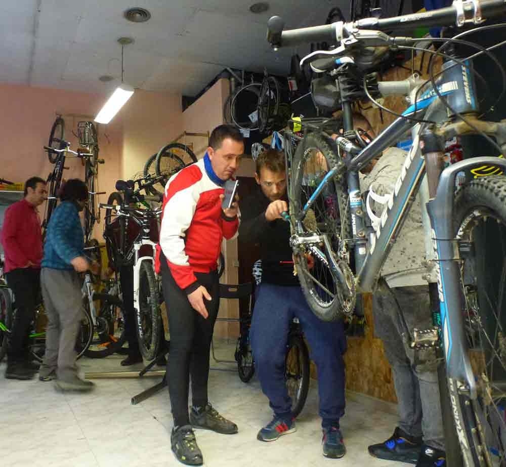 Pangea Mecanica basica bicicleta Madrid