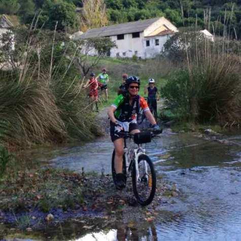 pedaleando-en-bici-en-costa-tropical-rutas-pangea-47