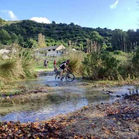 vacaciones-en-bici-en-Granada-costa-tropical-rutas-pangea