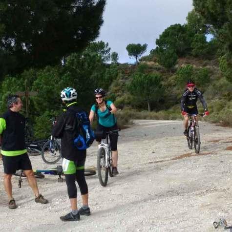 vacaciones-en-bici-en-costa-tropical-puente-de-diciembre-rutas-pangea