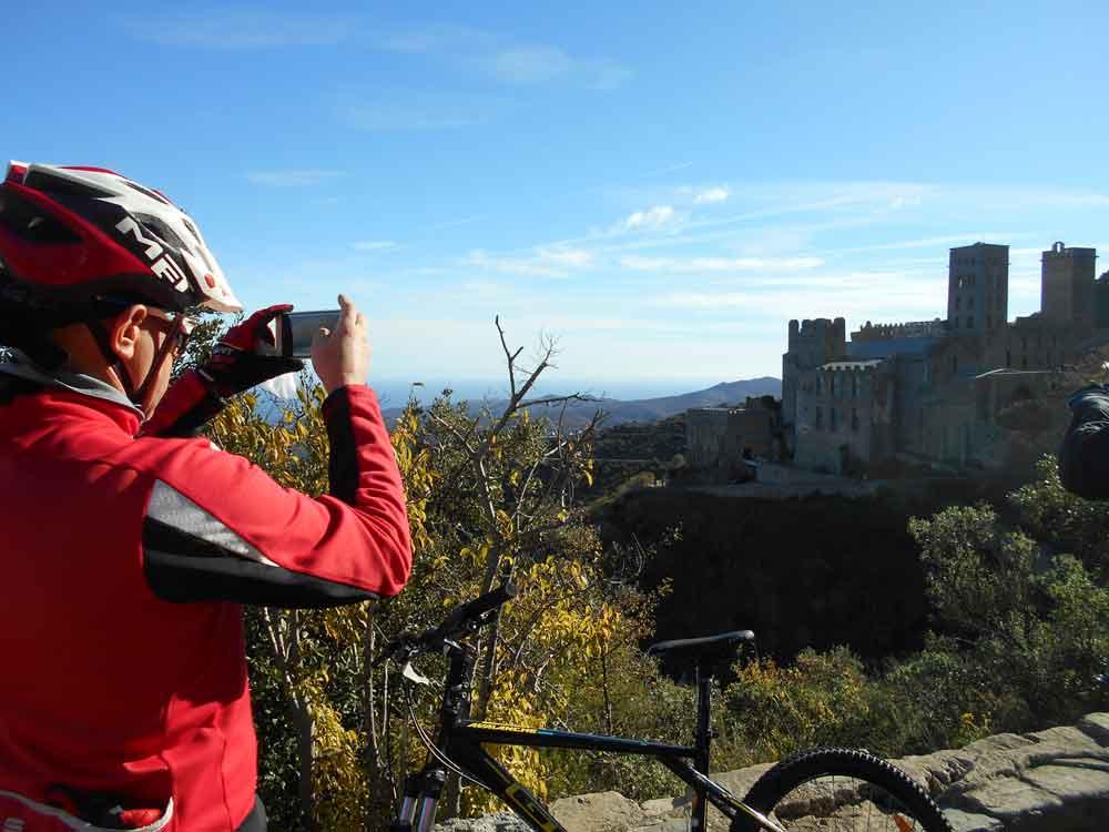 En bici por Sant Pere de Rodes