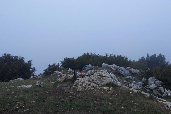Cima de La Higa de Monreal - Elomendi con su buzón
