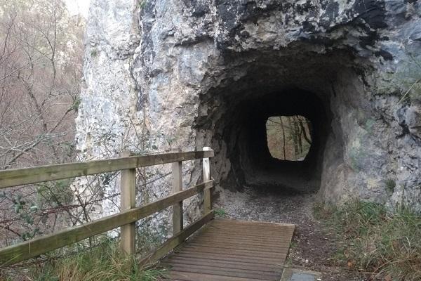 Túnel hacia Lareo