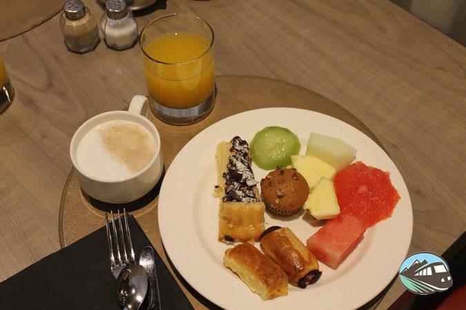 Desayuno en el Rafaelhoteles de Atocha