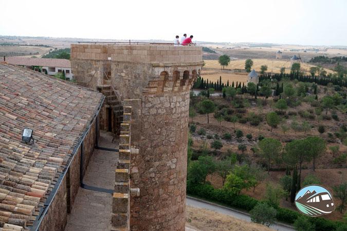 Subiendo a las torres del Castillo de Belmonte