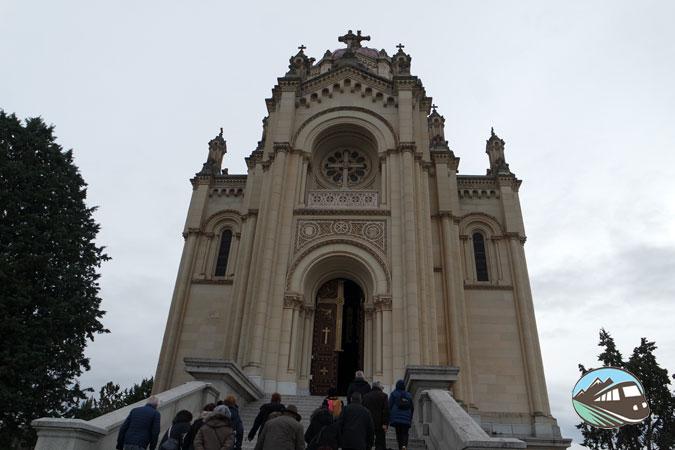 Panteón de la condesa de la Vega del Pozo – Guadalajara