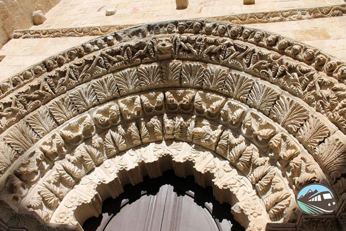 Pórtico de la Iglesia de Santa María Magdalena