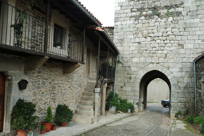Puerta de la Villa de Monleón