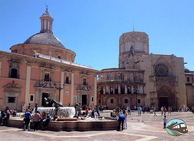 Plaza de la Virgen – Valencia