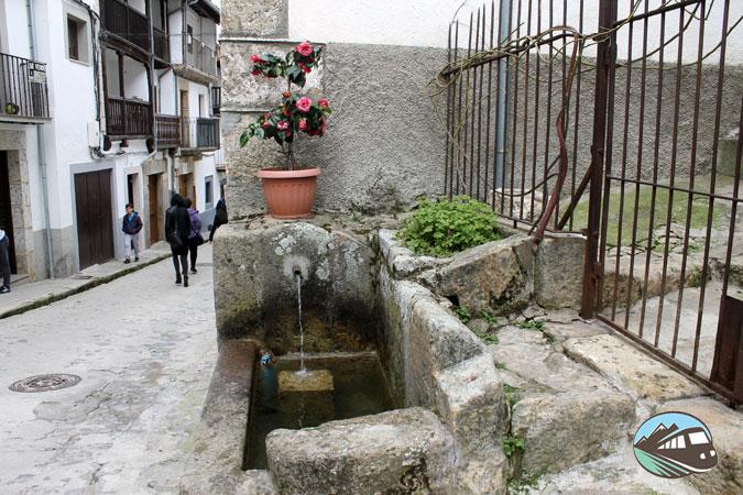 La fuente con su caño - Candelario