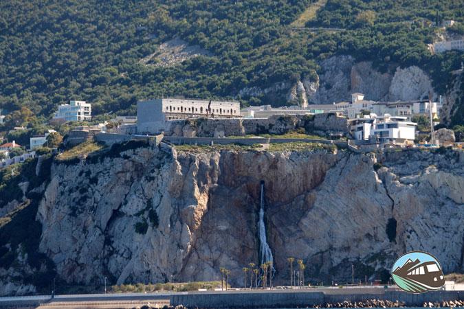 Gibraltar desde el mar - Línea de la Concepción
