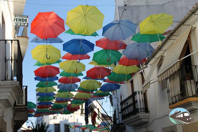 Paraguas de colores – Malpartida de Cáceres