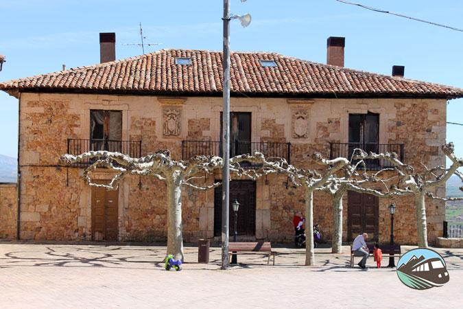 Plaza Nueva - Poza de la Sal