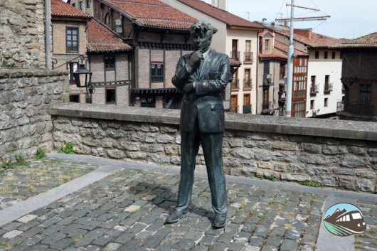 Estatua de Ken Follen
