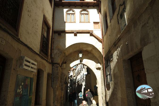 Puerta de la Cadena - Medina de Pomar