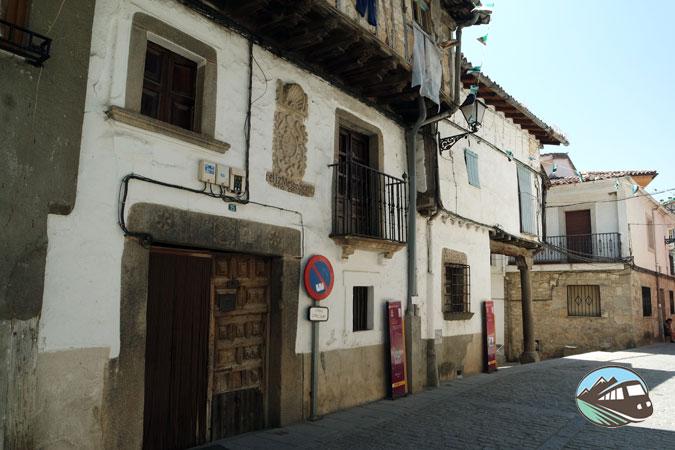 Casa Félix Mesón Gómez – Garganta la Olla