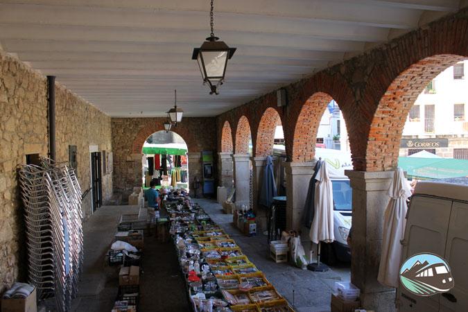 Soportales del Ayuntamiento de Gata