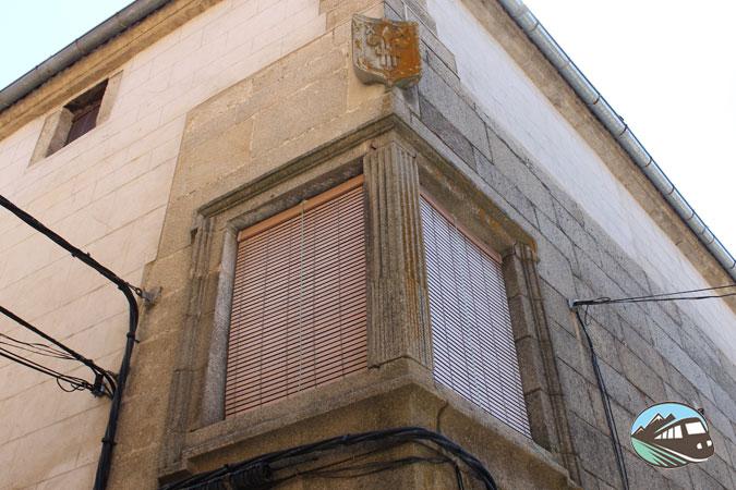 Casa noble de Hoyos