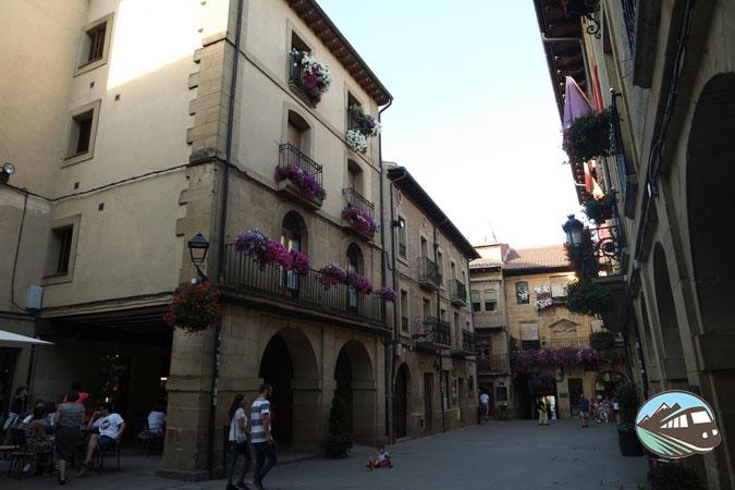 Plaza-Mayor-Laguardia