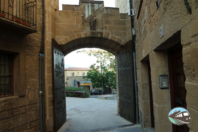 Puerta de la murallade Laguardia