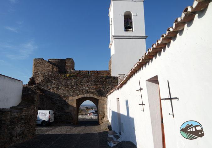 Porta da Vila - Mongaraz