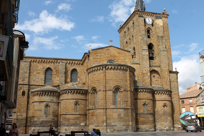 Iglesia Santa María de Azogue