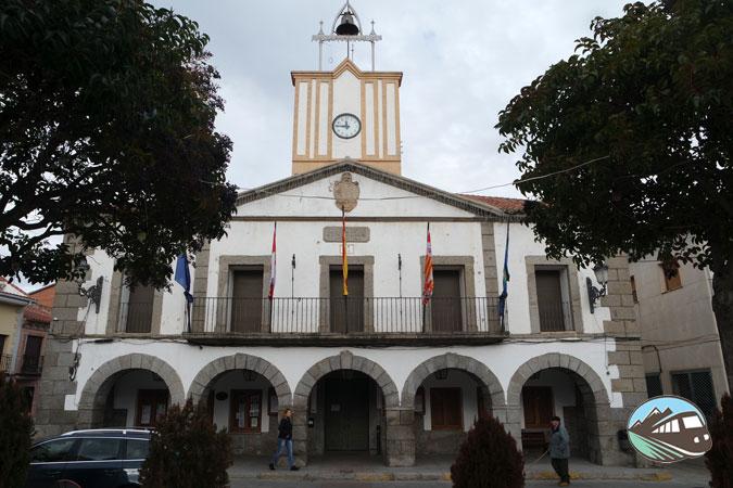 Ayuntamiento - El Tiemblo