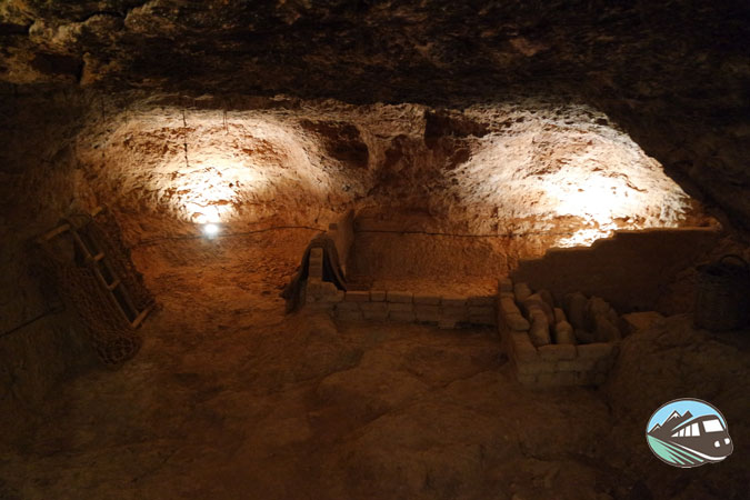 Cuevas - Hita