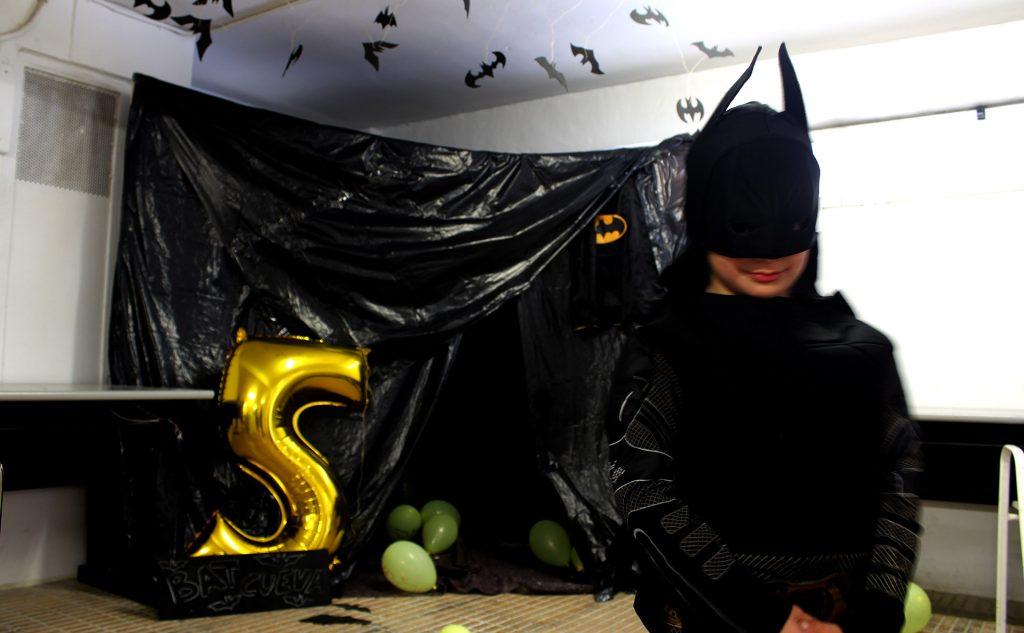cumpleaños infantil de batman con la batcueva