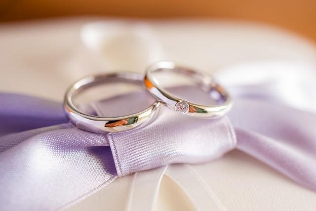 広島で結婚指輪を購入したいおふたりへ【ルテ ジュエリー】ではシンプルなデザインの指輪からご提案