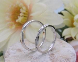 結婚指輪 リボンモチーフリング