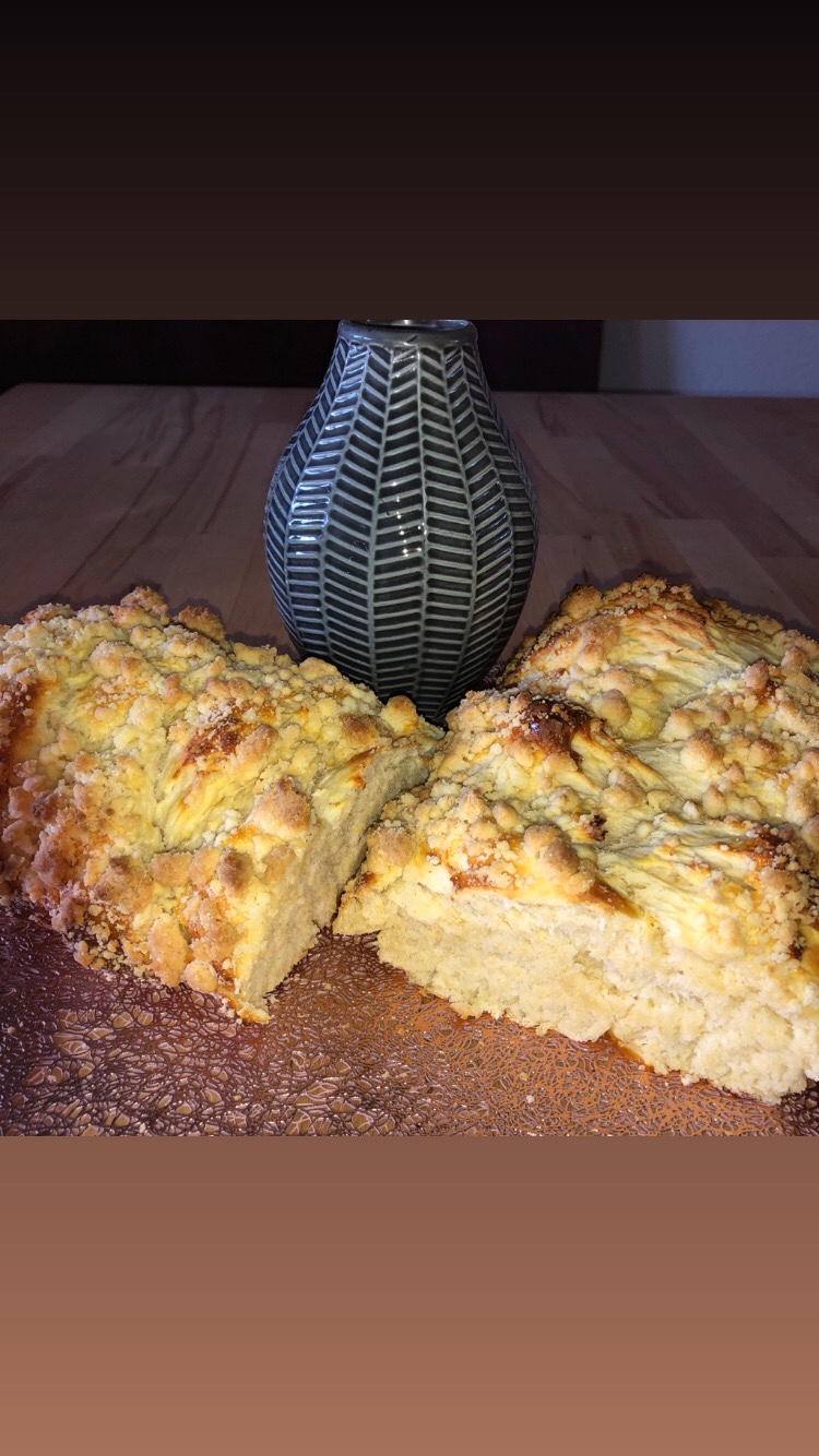Read more about the article Streusel-Hefezopf