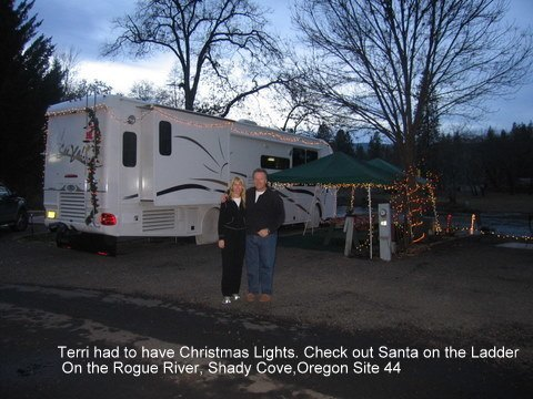 christmas,camping,rv,christmas lights,oregon,shady cove,flycasters