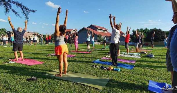 Yoga at Maymont. Photo credit: One Drop Yoga/Facebook