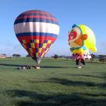 Pouso em Boituva do balão de formato especial Monkey King ao lado do balão 4500m³ da RVB