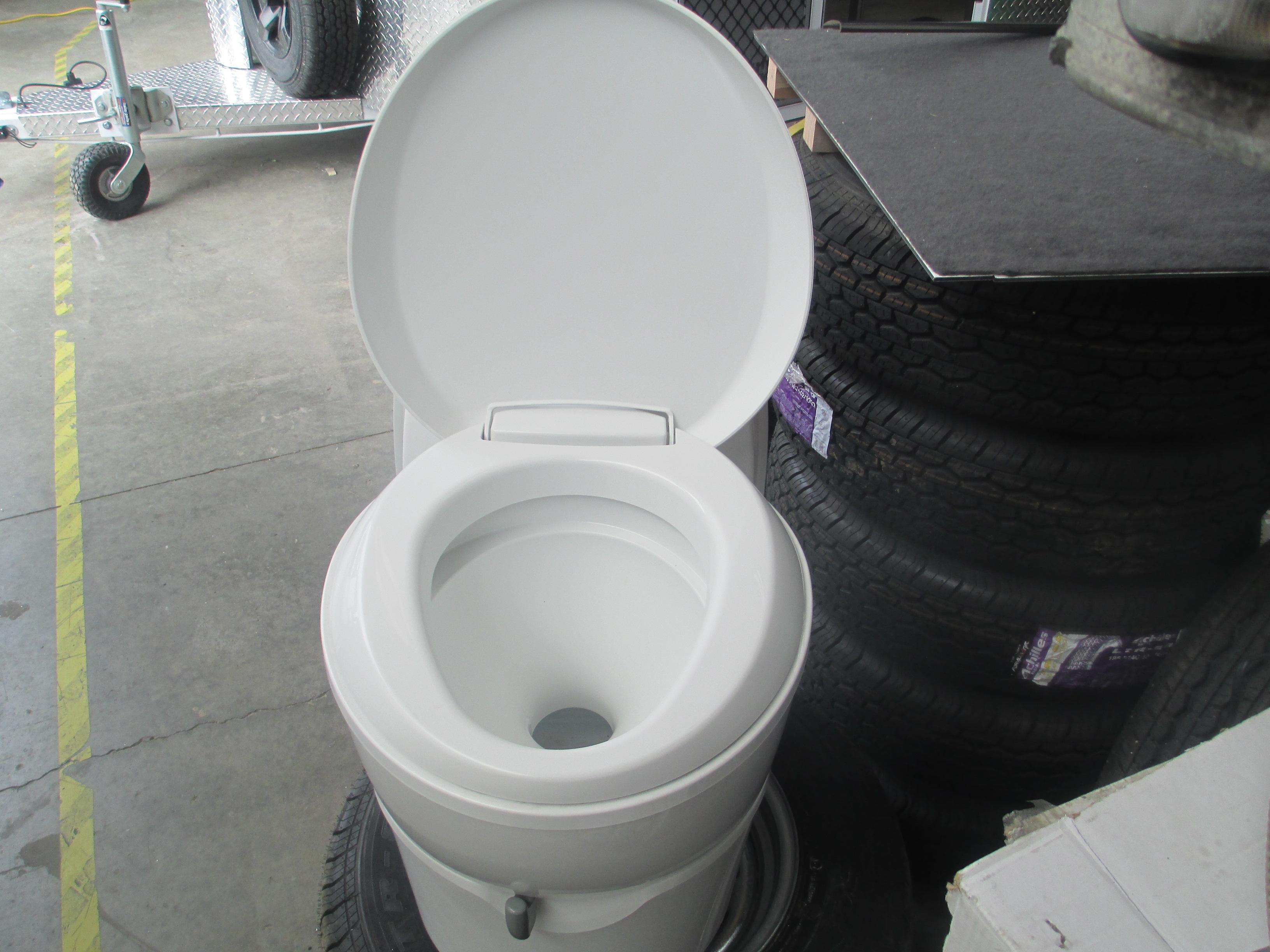 Thetford C223CS Swivel Toilet with access door included