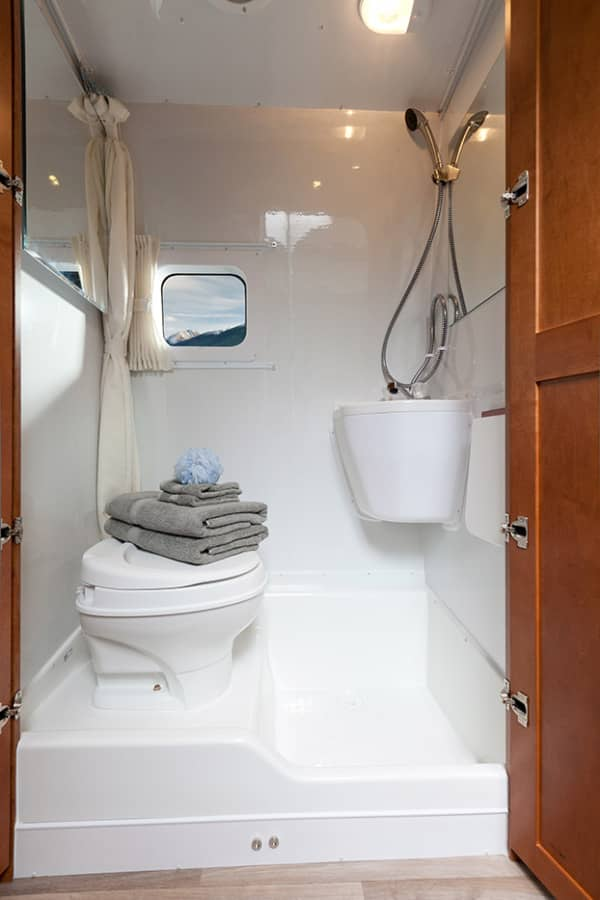 What Is The Difference Between A Wet Bath And A Dry Bath Rv Select Sell Your Rv For Cash
