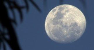 Rwanda moon