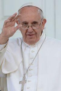 1024px-Pope_Francis_Philadelphia_2015_(cropped)