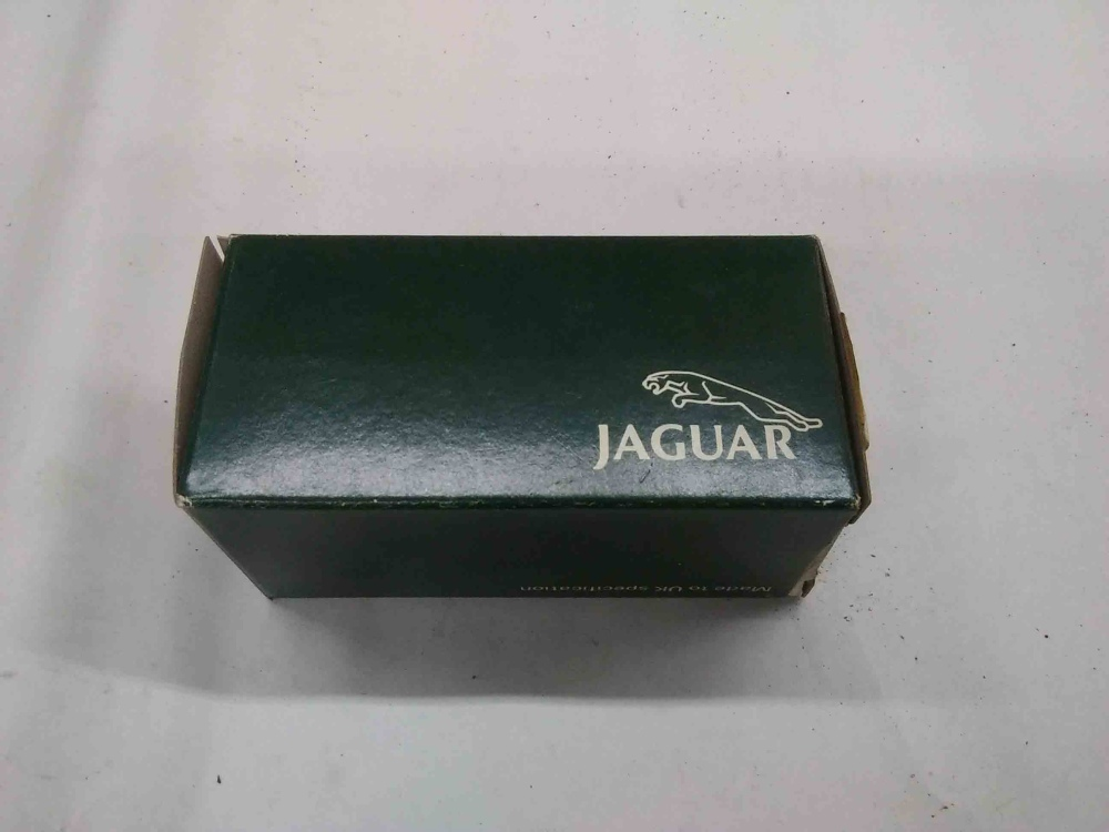 medium resolution of jaguar xjs 87 91 xj6 series iii fuel filter cbc5649 nos