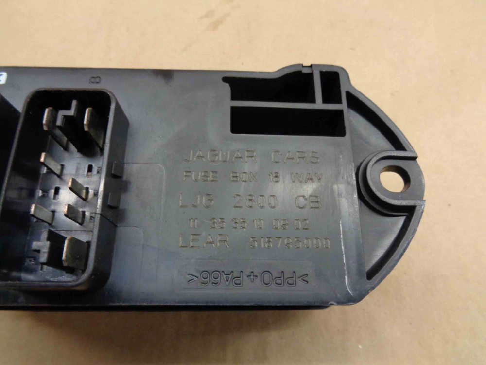 hight resolution of jaguar xk8 xkr 2003 06 fuse box 18 way ljg2800cb oem