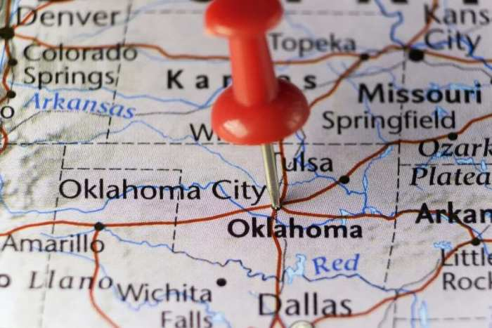 cannabis, medical cannabis, prescription, licenses, medical cannabis card, USA, states, cross-states, borders, dispensaries, Oklahoma, Arkansas, state laws, federal laws